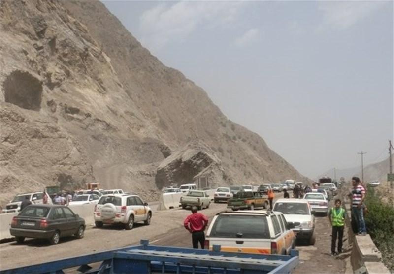 محور هراز مسدود شد، مسافران از سایر مسیرهای سوادکوه و کندوان مسافرت نمایند