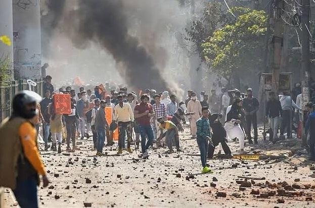درگیری ها در دهلی نو 7 کشته بر جا گذاشت