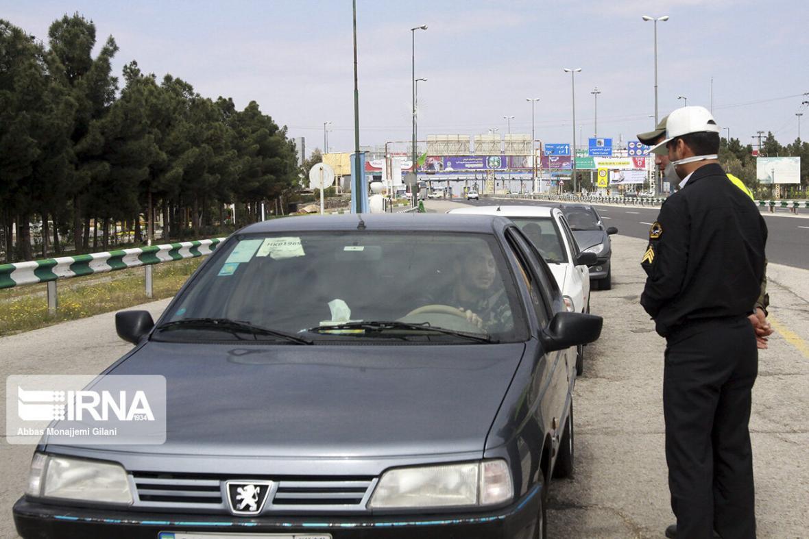 خبرنگاران طرح فاصله گذاری اجتماعی با قاطعیت در استان مرکزی ادامه می یابد