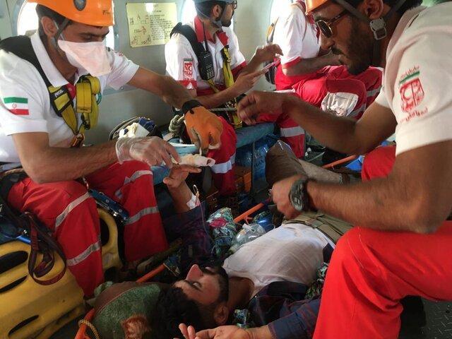 امدادرسانی و انتقال مصدوم از ارتفاعات 3500 متری کوه های گل افشان یزد