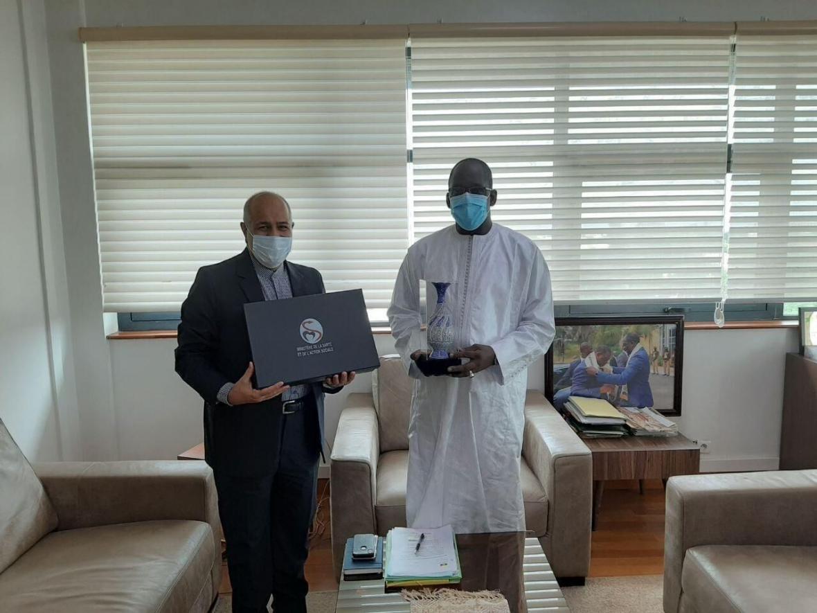 خبرنگاران ایران و سنگال در مورد همکاری برای مبارزه با کرونا رایزنی کردند