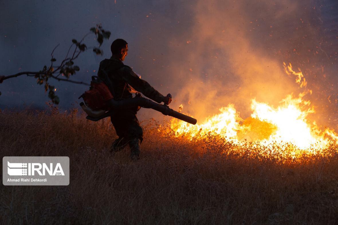 خبرنگاران آتش سوزی مراتع سقز امسال 20 درصد افزایش داشته است