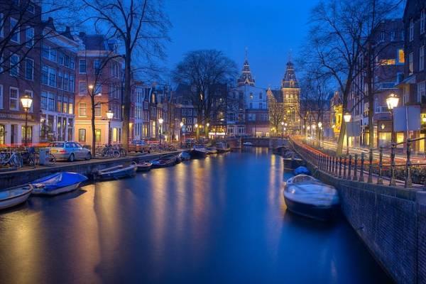 19 جاذبه گردشگری و مکان دیدنی توریستی در آمستردام