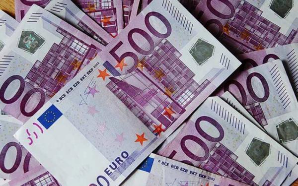 رشد عجیب قیمت یورو، چرا یورو از دلار پیشی گرفت؟