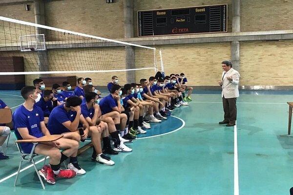 تشریح ویژگی های شخصیتی یک قهرمان در اردوی نوجوانان والیبال