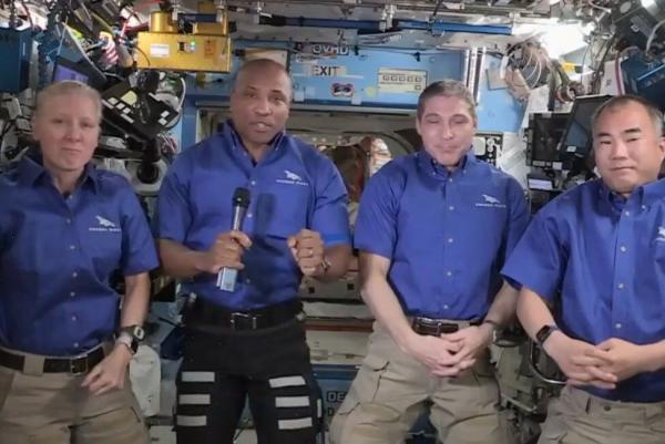 فضانوردان ماموریت کرو-1 بالاخره راهی زمین شدند