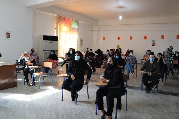 دانشجویان و اساتید پزشکى و پرستارى دانشگاه آزاد هرمزگان واکسینه شدند